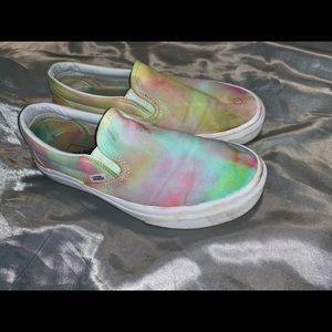 Tye/dye vans